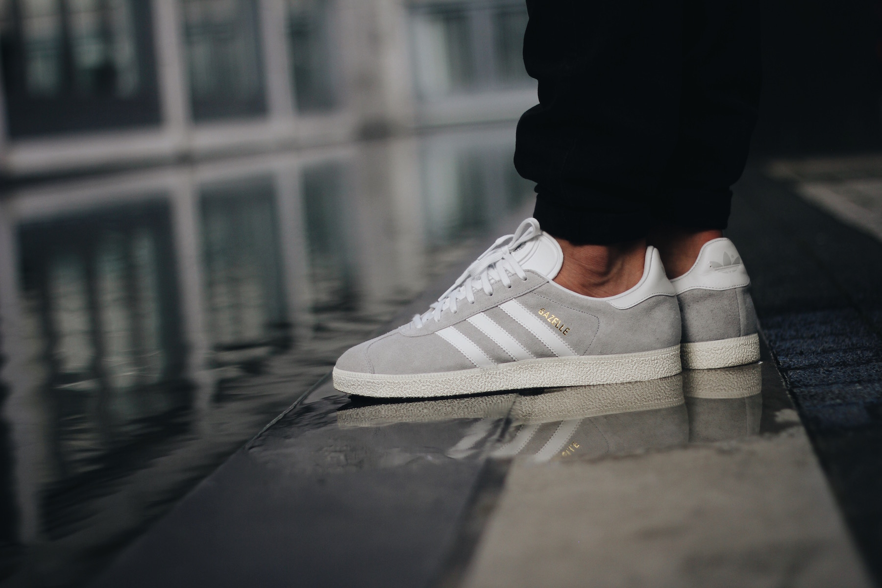free shipping 9cfe5 b7cc8 adidas-gazelle-leather-clear-onix-white-gold-metallic-s76221-on-feet-1